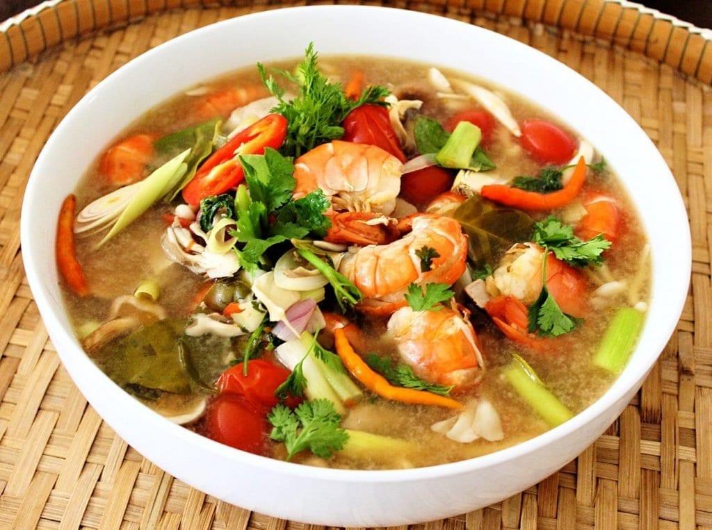 thai tom yum talay soup mae jum